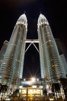 Petronas Towers by shiroang