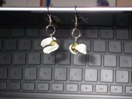 Golden Snitch earrings by ladysugarquill