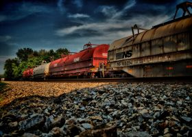 Afternoon Train HDR by IBeHoey