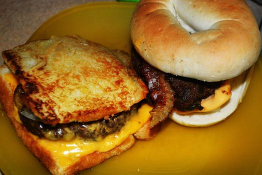 grilled cheese buger by bakedwhilebaking
