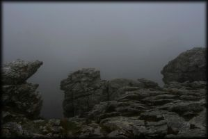 rocks and mist by pwlldu