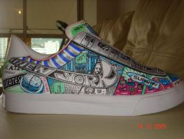 Custom Hand-painted shoe by asakitay