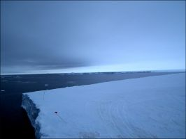Antarctica 007: Ekstroem Ice shelf by MadleneP