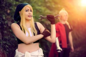 Work start! Winry cosplay, Fullmetal alchemist. by Giuzzys