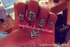 Fish Pattern nails by swapthat