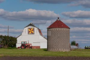 Patchwork Quilt Piece Barn by lividity101