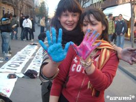 hands the colours of the art by Urumiccina