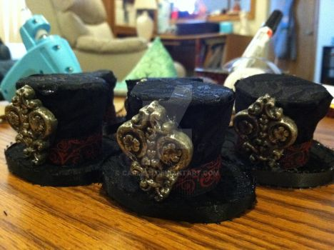 Miniature top hats by Carlie21