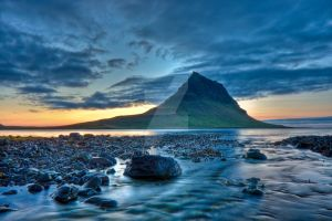 Kirkjufell by night by Andyyuill