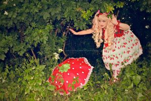 Strawberry Wonderland by harlyharlekin