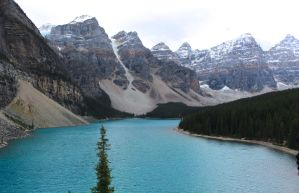 Moraine Lake ( Canada ) by Diogoibanez