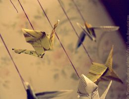 Newspaper cranes by Ilman-Lintu