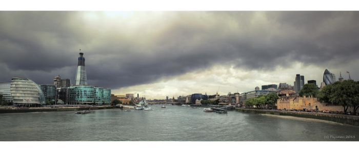 The River Thames, London by Pajunen