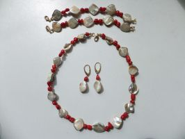 Shell and Coral Jewelry Set by Galuorwen