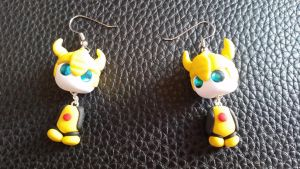 Chibi Chubs: Bumble Bee Earrings by Laserbot