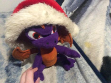 Spyro Is Ready For Christmas by MrsSpyro01
