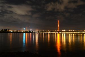 river lights and a wheel in the dark by Parazelsus
