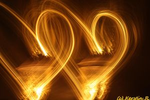 Glowing hearts by kErstinR