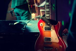 Guitar_on_Stage by Art-Kombinat