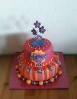 Girly Cake by Naera