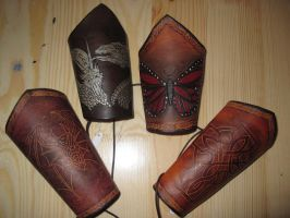 Some bracers by akinra-workshop