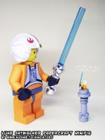 Papercraft LEGO Star Wars Luke lightsaber lesson by ninjatoespapercraft