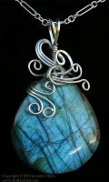 Evening Zephyr Labradorite Pendant by Nambroth