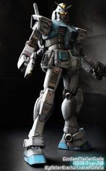 Gundam Master grade RX-78-2 3.0 by PGPete