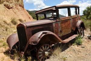 Rusty gangster car by lawout16
