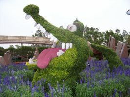 Tick Tock Topiary by phantaz