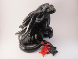 Toothless - polymer clay dragon figurine by Akalewia