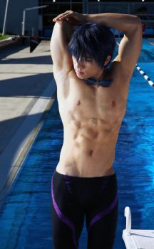 Free! Haruka - Tricep Stretch by AmenoKitarou