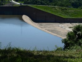 Spillway June 10th 2008 by canis7