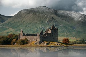 Kilchurn Castle by Stridsberg