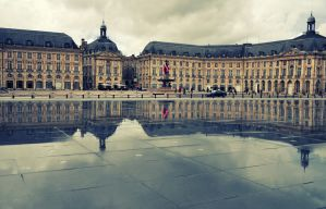 Bourdeaux reflection by ralucsernatoni