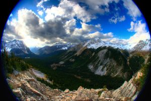 Beautiful valley by Dudovitz