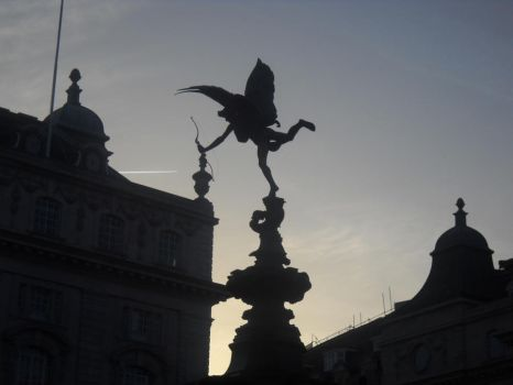 Carry Me to Piccadilly... by MercuryBitt632