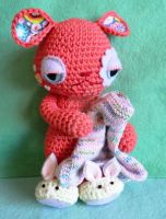 Twist the bedtime omnipom - amigurumi alien by lizduttons