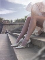 white shoes_pin-up by inSOLense