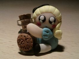 Alice with bottle fimo by bimbalove81
