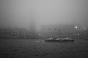 foggy venice by Dequal