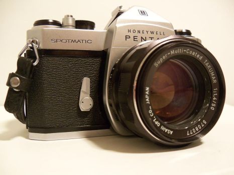 Spotmatic - 50mm Takumar (3) by duckinatorr