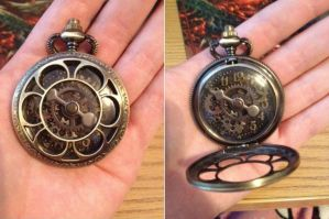 Steampunk Pocket Watch Necklace by Kthulha