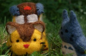 Totoro and Catbus by hiltti