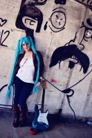Rocker Miku by CCCosplayers