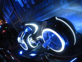 Tron Light Cycle Askew by ShipperTrish