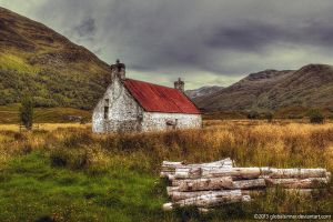 The Cabin By The Woods by globalsinner