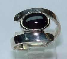 Sterling Bypass ring with Onyx by Utinni