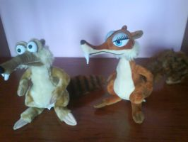 my scrat and scratte plushies by xXCandiceXx
