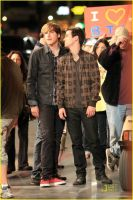 Logan totally wants Kendall by Gatchaman-LoganXTay